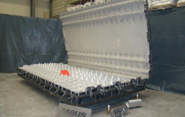 FastCast Rotationsform, 2-teilig, 2 Losteile, Verknüpfungen und Durchzüge