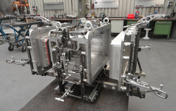 CNC-gefräste Form, Führungen, Aluminiumspanner